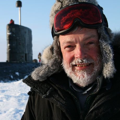 Il CETEMPS ospita uno dei massimi esperti e conoscitori del ghiaccio marino e dell'Artico: il Prof. Peter Wadhams